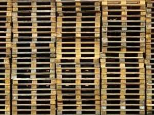 How to Prepare Pallets For DIY Projects